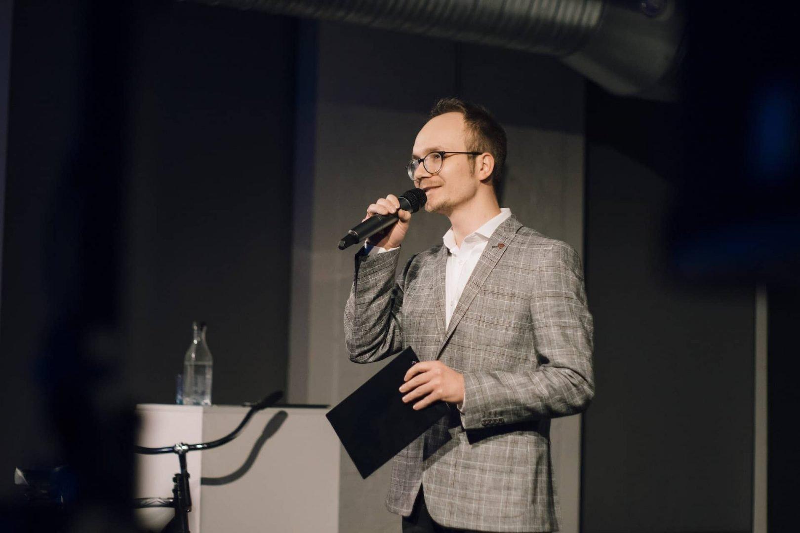 Mikołaj Basiński konferansjer konferencja